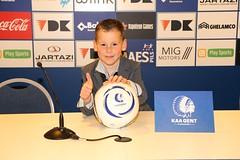 138 (boeddhaken) Tags: aagent football pressconference boy cuteboy microphone smile thumbsup
