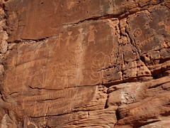 Art near Mouse Tank (John E. Morrow) Tags: valleyoffirestatepark valleyoffire petroglyphs
