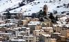 Abruzzo invernale (giorgiorodano46) Tags: giorgiorodano febbraio2011 february 2011 roccadimezzo abruzzo italy altipianodellerocche inverno winter hiver neve neige snow borgo villaggio