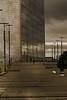La Défense, le long de la Grande Arche (Edgard.V) Tags: paris parigi la défense grande arche chemin path caminho ciel ceu sky cielo temporal orage storm temporale