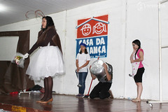 "Teatro dos Professores na Casa da Criança • <a style=""font-size:0.8em;"" href=""http://www.flickr.com/photos/134435427@N04/37724013454/"" target=""_blank"">View on Flickr</a>"
