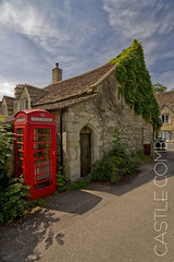 CASTLE COMBE (champollion-10) Tags: social cityscapes urban cotswolds rural village street tokina1116 england
