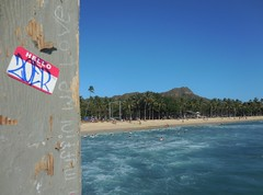 zoer (Visual Chaos) Tags: zoerscicrew zoer zoersci sticker slaptag hellomynameis hawaiigraffiti waikikiwalls bodyboarding diamondhead muffinwelove hawaii honolulu waikiki scicrew volcano