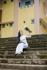 IMG_4455 (Love Vintage Things) Tags: aodai long dress school white daisy hair black vietnam vietnamese beauty beautiful charming áo dài đẹp chân dung quyến rũ