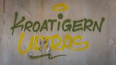 Kupari-Graffiti-2016-DSC_9252 (fjakone) Tags: abandon croatia graffiti grafiti hrvatska kupari war dubrovačkoneretvanskažupanij dubrovačkoneretvanskažupanija hr
