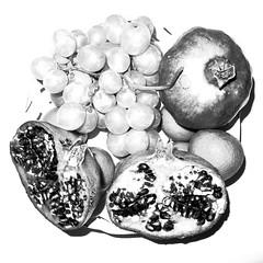 Autumn (in the Greenaway manner?!?) (Piero Riccardi) Tags: frutta naturamorta stilllife melograno uva