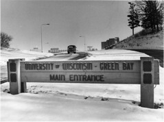 20021375-winter-main-entrance-vw-009