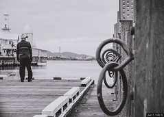 """""""The two most powerful warriors are patience and time."""" -Leo Tolstoy (JF.Paillié) Tags: geelong victoria australia au urbanandstreet urbanphotography canonphotography sigma sigmamoments geelonglife justgoshoot perspective blackandwhitephotography streetsvision citylife streetphoto streetphotographer everybodystreet cityliving motivation canonaustralia canonphotos bnwdrama bnwlife bnwcaptures pier age positive"""