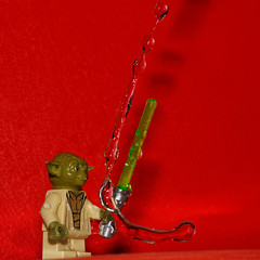 Yoda - the force control (Elisabeth Lys) Tags: lego starwars nikon d7200 droplet gouttes highspeedphotography hightspeedphoto macrophotography macro sigma 105mmf28 yoda red