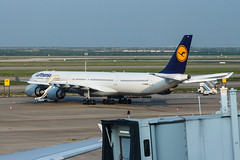 Lufthansa A340-600 D-AIHB 001 (A.S. Kevin N.V.M.M. Chung) Tags: aviation aeroplane aircraft airbus airport a340 a340600 lufthansa airside plane spotting apron pvg pudong