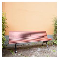 Bench and booze (leo.roos) Tags: bench bank bottle fles ystad a900 minolta minolta173535 minoltaaf1735mmf35g amount sweden zweden zwedenaugustusseptember2011 darosa leoroos skånelän skane