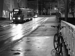 2017 Bike 180: Day 267, November 27 (olmofin) Tags: 2017bike180 finland helsinki pikkuhuopalahti tram streetcar bicycle mtb 29er polkupyörä ratikka raitiovaunu spåra mzuiko 45mm f18 dark dawn street katu hämärä bw