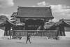 Blindet by the light (mripp) Tags: art vintage retro old japan kyoto black white mono monochrom leica m10 summicron 50mm unesco world heritage welterbe urban city stadt