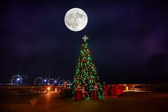 Christmas in North Beach (AngelBeil) Tags: calvertcounty christmasatthebeach northbeachboardwalk northbeachinstagram travel bokeh placestovisit tourism mdinfocus visit maryland visitmaryland visitnorthbeach fullmoon