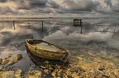calma (Josep M.Toset) Tags: aigua barca catalunya d800 deltadelebre montsià josepmtoset matinada mar marina mediterrani núvols sol sortidadesol paisatges pesca nikon