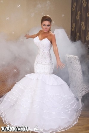 b4061ebd5 فساتين خطوبة و زواج للمصمم جان يعقوب (Arab.Lady) Tags: فساتين خطوبة