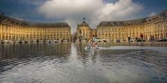 Bordeaux - 4253 (YᗩSᗰIᘉᗴ HᗴᘉS +12 000 000 thx❀) Tags: bordeaux france aquitaine gironde fr architecture building bâtiment cloud clouds reflexion reflets réflection reflection reflet water landscape town city