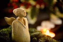 engel-van-de-eerste-Advent (Don Pedro de Carrion de los Condes !) Tags: donpedro d700 advent adventstijd kaars kaarsen traditie kerstgroen zingend cantate vleugels sfeer advent1 kerst noel weihnachten santons winters schijn deengel engelen religie welkom hemelwerken kersttijd geloven christelijk angesagt rk winter avent zingen chanter schijnsel