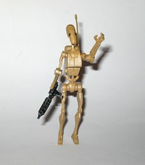 battle droid no. 7 star wars the clone wars basic action figures blue white card 2008 hasbro 2f (tjparkside) Tags: battle droid no 7 star wars clone basic action figures blue white card 2008 hasbro number figure helmet packaging cardback mosc tcw cw sw missile projectile firing back pack blaster pistol rifle weapon weapons separatist separatists army roger