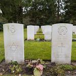 Commonwealth WW2 graves - Ohlsdorf Cemetry Hamburg thumbnail