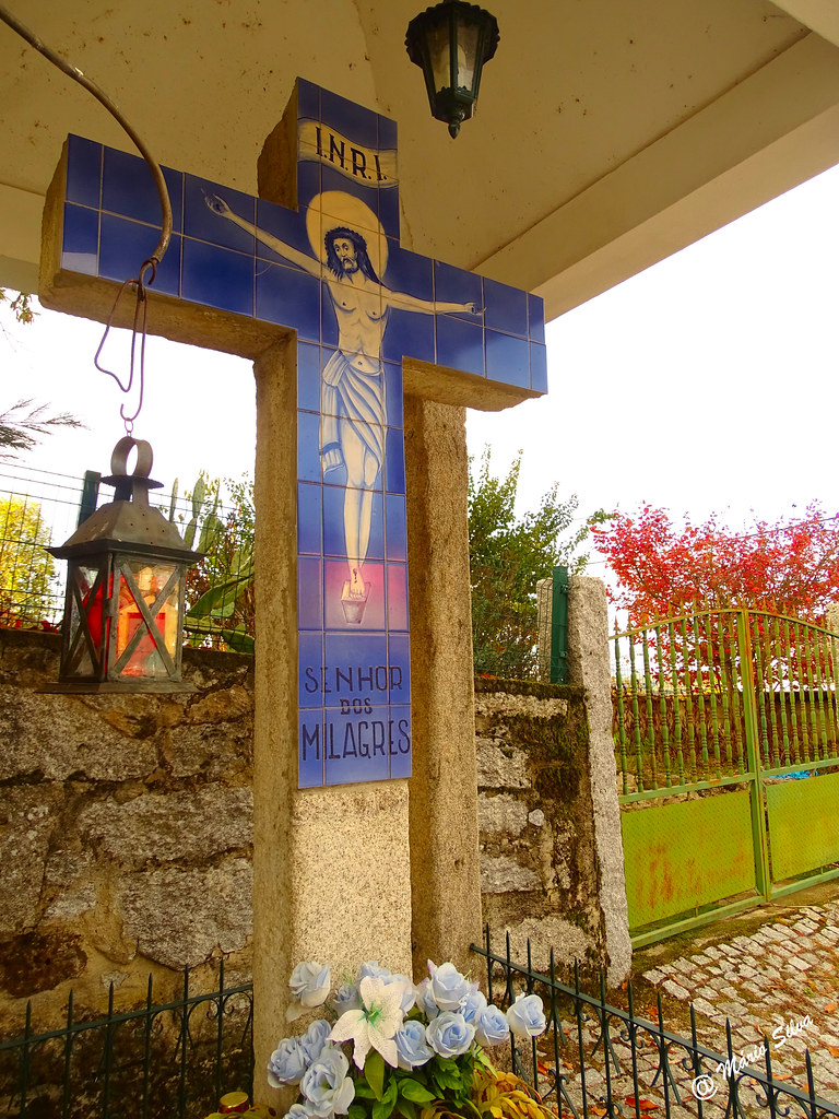 Águas Frias (Chaves) - ... cruzeiro do Senhor dos Milagres ...