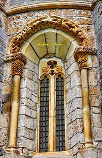 553 - Ventana Ábside - Iglesia Santa María de Piasca (Cantabria) - Spain.
