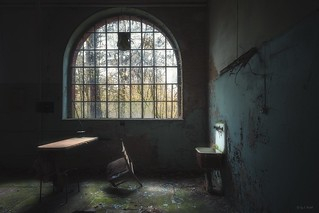 abandoned lunatic asylum -  he's gotta be around here somewhere, the madness