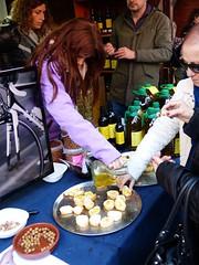 Aceite de oliva 2017 (4) (calafellvalo) Tags: aceiteoiloliolivadegustacióntarragonacalafellvalosiuranaarbequina aceite oliva oil oli arbequina olivos aceitunas paamboli panconaceite rostada oroverde hispania tarragona tarraco calafellvalo