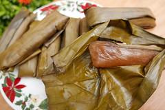 kurukod (cassava cake) (DOLCEVITALUX) Tags: kurukod cassavasuman cassavacake philippines dessert delicacy lumixlx100 panasoniclumixlx100 food sometimessavoury