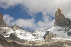 Torre Sur et glacier des Torres (Rosca75) Tags: mountain torresdelpaine mountains snow landscape landscapes beautifullandscape patagonia chile chili nature wildnature hike bagpack
