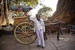 BADAMI : CALÈCHEWALA (pierre.arnoldi) Tags: inde india pierrearnoldi canon6d badami karnataka calèchewala photoderue photooriginale portraitdhomme