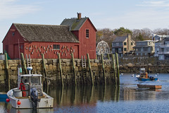 Form and Function (brucetopher) Tags: red motif1 motif shack fishingshack building architecture newengland capeann cape ann water harbor blue boats boat fishing nautical lowtide 1 one numberone motifnumber1