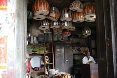 Drum seller (sanat_das) Tags: kolkata rabindrasarani musicalinstruments shop drums shopkeeper drrumseller d800 28300mm