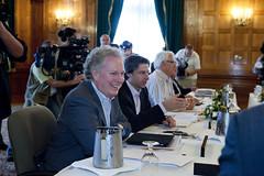 Premiers/premiers ministres Charest and/et Graham during the meeting/durant la rencontre