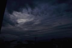 cloud storm (medeirosisabel16) Tags: cloud storm texture textura nuvem nuvens tempestade sky guaratingueta street school escola cable dark night nublado cloudy blue azul escuro black cidade city