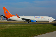 C-FYLC (Sunwing Airlines) (Steelhead 2010) Tags: sunwingairlines boeing b737 b737800 yhm creg cfylc