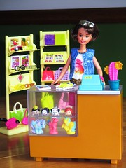 My First job Courtney (flores272) Tags: skipperdoll daisypop cooltopsskipper barbiefashionistas barbieclothing tsumtsum barbie barbiedoll doll dolls toy toys pizzahutskipper pizzapartyskipper courtneydoll