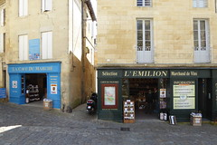 Wine shops, Saint-Émilion (duncan) Tags: saintémilion shop shopfront