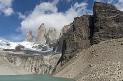 Cerro Nido de Condor et les Torres (Rosca75) Tags: mountain mountains lagunalastorres lastorres snow landscape landscapes beautifullandscape patagonia torresdelpaine chile chili nature wildnature hike bagpack