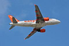 'U273EJ' (U28267) LGW-CPH (A380spotter) Tags: flight30032011u25340tlslgw10a0117 takeoff departure climb climbout belly airbus a319 100 gezii easyjetairline ezy u2 u273ej u28267 lgwcph runway08r 08r london gatwick egkk lgw