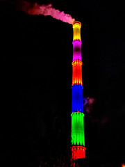 Smoking Colors (Mike Bonitz) Tags: deutschland germany sachsen saxony chemnitz hkwchemnitznord heizkraftwerk cogenerationplant esse chimney farben colors colours led googlepixel architektur architecture beleuchtung illumination