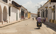 Rues de Mompox (Rosca75) Tags: colombia colombie people lifestylephotography streetphotography street mompox mompós architecture
