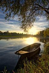 Une barque sur la Loire, Tours, France 2017 (Baloulumix) Tags: baloulumix barque julienfourniol julienfourniolbaloulumix loire tours
