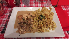 Un bon dîner à La Winstub pour bien finir la journée :D (Πichael C.) Tags: metz ville fête noël city 57 sortie un bon dîner à la winstub pour bien finir journée d