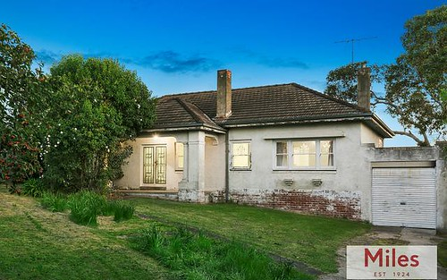 25 Otterington Gr, Ivanhoe East VIC 3079