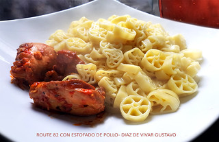 Route 82 con estofado de pollo - Diaz De Vivar Gustavo