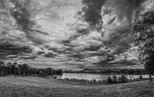 Lake Tuggeranong B&W