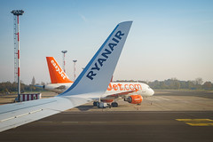 Ryanair vs. Easyjet (patrickpagel) Tags: berlin ber schönefeld brandenburg deutschland de