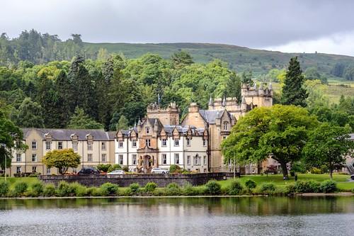 _WCB0087 Loch Lomond castle- Cameron House