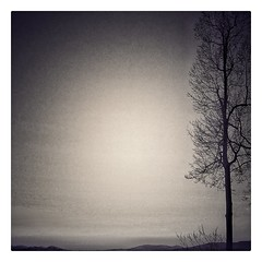 Untitled (GR167) Tags: 100faves minimalism ruleofthirds iphone jaggr